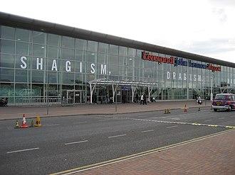 Bagism - John Lennon Airport, September 2006