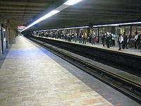 Longueuil–Université-de-Sherbrooke StationMetro.jpg