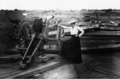 Lou Hoover inspecting cannon in Tientsin 1900.png