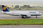 Lufthansa, D-AIZF, Airbus A320-214 (29971169830).jpg