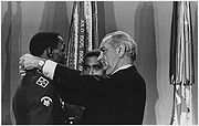 Lyndon Johnson decorates Dwight Johnson with MOH 29-2621M