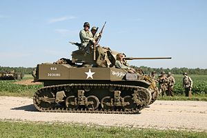 M5 Stuart Light Tank, Thunder Over Michigan 2006.jpg