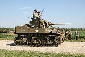 M5 Stuart Light Tank, Thunder Over Michigan 2006.jpg