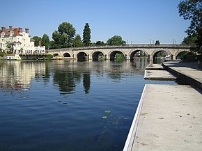 Maidenhead Bridge and River Thames - geograph.org.uk - 205285.jpg