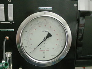 Metre sea water - Hyperbaric chamber pressure gauge calibrated in msw and bar