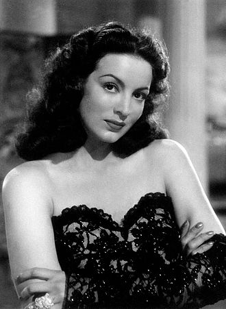María Félix - María Félix in The Kneeling Goddess (1947)