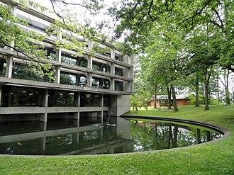 Wellesley College - Margaret Clapp Library