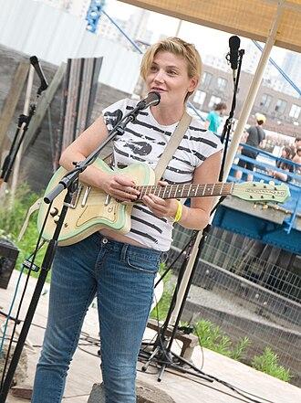 Marnie Stern - Stern performing in Brooklyn in 2008