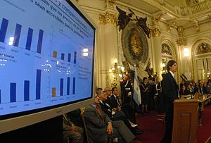 Martín Lousteau - Lousteau making his case for higher oilseed export taxes in an April 2008 press conference. The resulting conflict with the nation's agricultural sector dominated his brief tenure as Economy Minister.