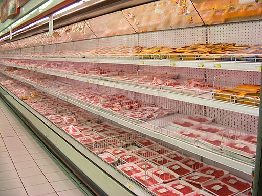 Meat packages in a supermarket. Photo: Mattes