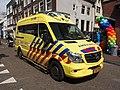 Mercedes Ambulance unit 13-108 on the Haarlemmerdijk pic2.JPG