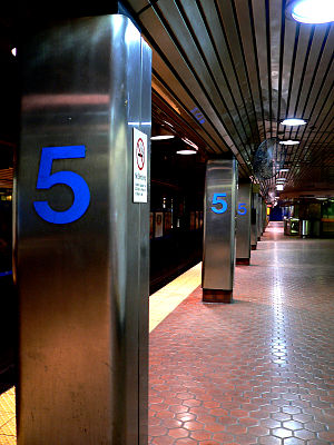 5th Street station (SEPTA) - Image: Mfl 5thst