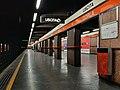 Milano - stazione metropolitana Gorla - banchina.jpg