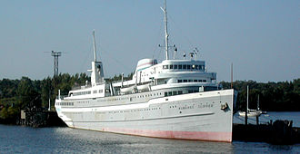SS Milwaukee Clipper - Image: Milwaukee Clipper Starboard Bow