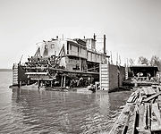 Mississippi River floating dry dock - Vicksburg