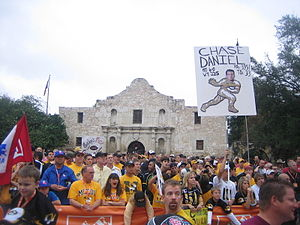 2007 Missouri Tigers football team - Missouri fans in front of the Alamo before the game.