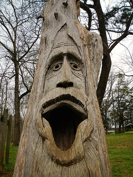 File:Montevallo, Alabama Tim Tingle Tree Carvings in Orr Park 1.JPG