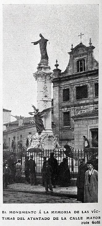 Monument to victims of the attack against Alfonso XIII - Former monument in 1908