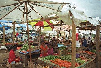 English: Marketplace in Moramanga.