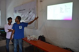 Motiur Rahman Oni speaks in Bangla Wikipedia School Program at Chittagong Collegiate School (01).jpg