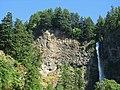 Multnomah Falls at Columbia River Gorge National Scenic Area in Oregon 1.jpg