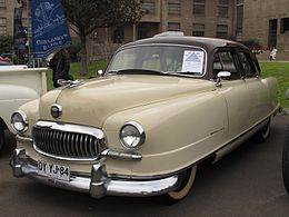 Nash Statestman Super Airflyte 1951 (18686938540).jpg