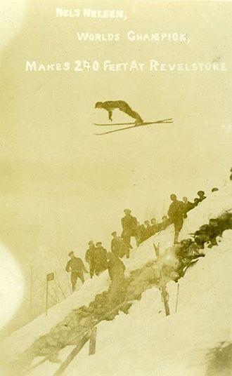 Nels Nelsen - Nelsen as he sets the world record in 1925