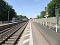Neu-Isenburg-Zeppelinheimer Bahnhof- auf Bahnsteig zu Gleis 1- Richtung Frankfurt am Main 17.5.2012.JPG