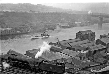 Panorama from Newcastle castle keep across the River Tyne to Gateshead in 1954 Newcastle castle keep across the River Tyne to Gateshead geograph-2613573-by-Ben-Brooksbank.jpg