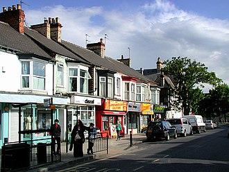 Newland, Kingston upon Hull - Shops on Newland Avenue (2009)
