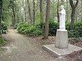 Nijmegen Rijksmonument 523017 Berchmanianum Houtlaan 4 park met beeld St.Jan Berchmans.JPG