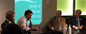 Salvini al convegno No Euro Day con i professori Claudio Borghi, Alberto Bagnai e Antonio Maria Rinaldi.