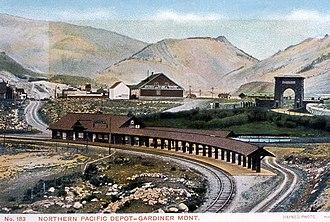 Gardiner, Montana - Image: Northern Pacific Depot Gardiner Haynes