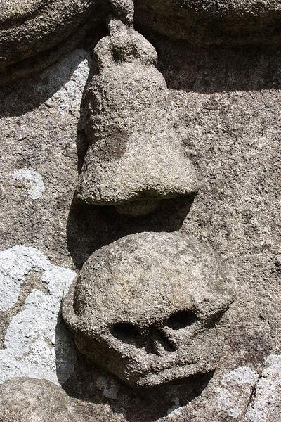 File:Old Leckpatrick Graveyard, Ballymagorry, May 2010 (12).JPG