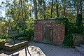 Old Tomb and signage - Mount Vernon.jpg
