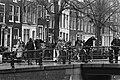 Ontruiming Grote Wetering , vandaag is kraakpand in Amsterdam ontruimd door ME e, Bestanddeelnr 931-1864.jpg