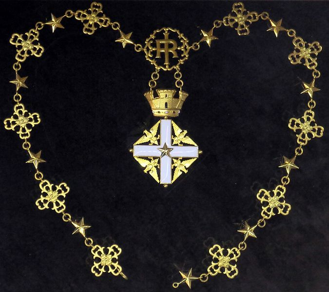 File:Order of Merit of the Italian Republic grand cross collar badge (Italy 1954-1960) - Tallinn Museum of Orders.jpg