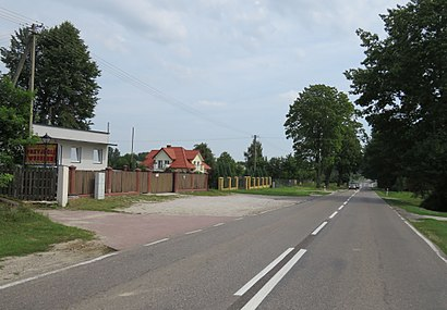 How to get to Płouszowice-Kolonia with public transit - About the place