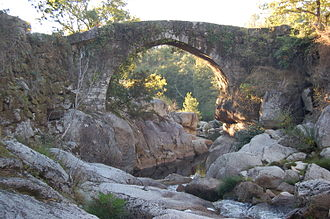 Packhorse bridge - Medieval packhorse bridge crossing the Almofrei at Cotobade, Galicia