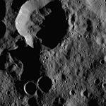 PIA20395-Ceres-DwarfPlanet-Dawn-4thMapOrbit-LAMO-image41-20160125.jpg