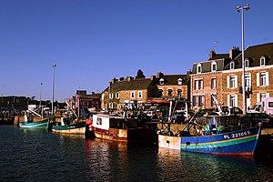 Côtes-d'Armor - Image: Paimpol Hafen 9305