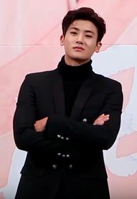 Park Hyung-sik at Hwarang Press Conference 02.png