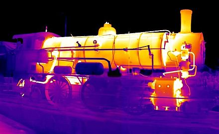 Thermal image of an operating steam locomotive ParowozIR.jpg
