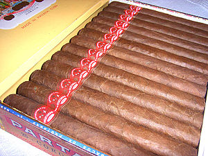 English: Box of Partagas Coronas Deutsch: Kist...