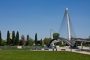 Strasbourg-Ortenau Eurodistrict - The Passerelle Mimram, a pedestrian bridge linking the French and German sides of the Rhine.