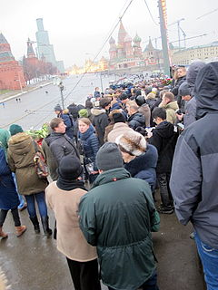 People came to the side of Boris Nemtsov's murder (2015-02-28; 24).JPG