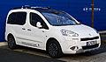 Peugeot Partner Tepee 120 VTi Style (II, Facelift) – Frontansicht, 1. Dezember 2013, Düsseldorf.jpg