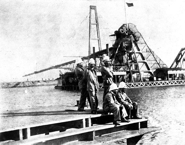 הרצל וחבריו למשלחת על גדות תעלת סואץ