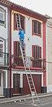 Pintor en la calle de San Pedro, Angra do Heroísmo, isla de Terceira, Azores, Portugal, 2020-07-25, DD 08.jpg