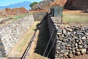 Tzintzuntzan (Mesoamerican site) - Excavations by yácatas revealing older structures